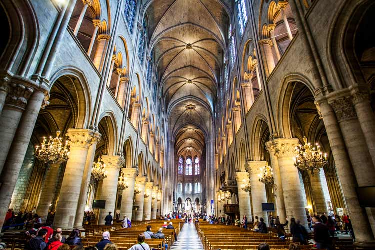 paris-travel-guide-Notre-Dame-de-Paris