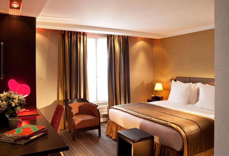 paris travel guide-book hotel