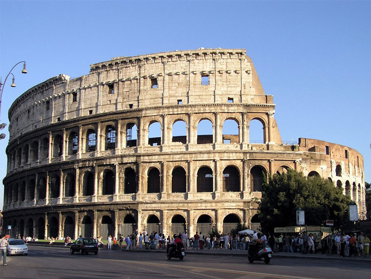 roma travel guide-Colosseum