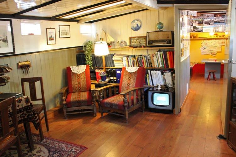 Houseboat-Museum-amsterdam1