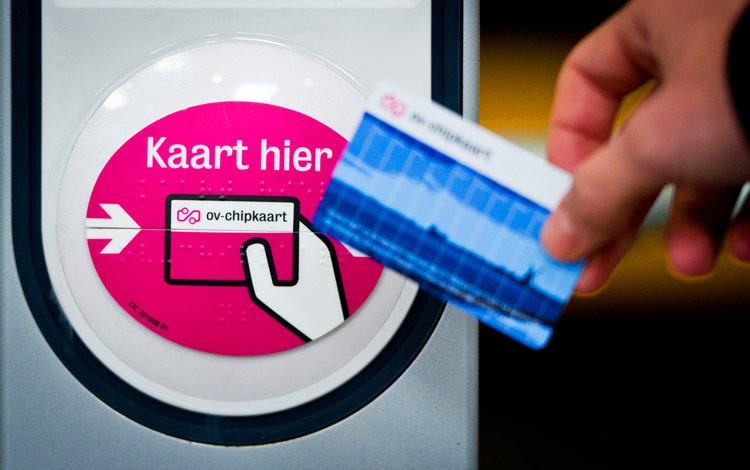 amsterdam travel guide-Anonieme-OV-chipkaart