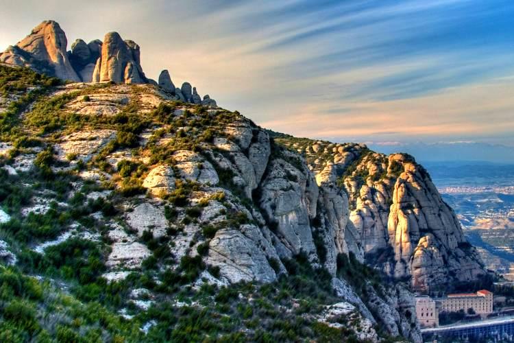 barcelona travel guide-montserrat