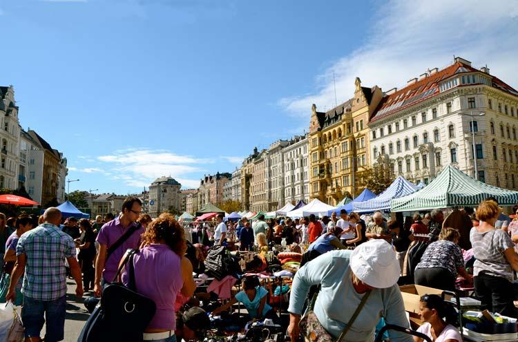 vienna travel guide-Naschmarkt vienna