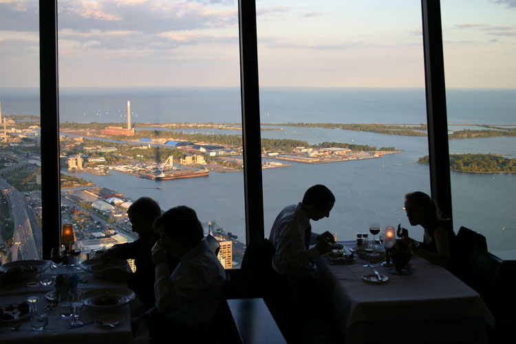 360-The-Restaurant-at-the-CN-Tower-toronto5