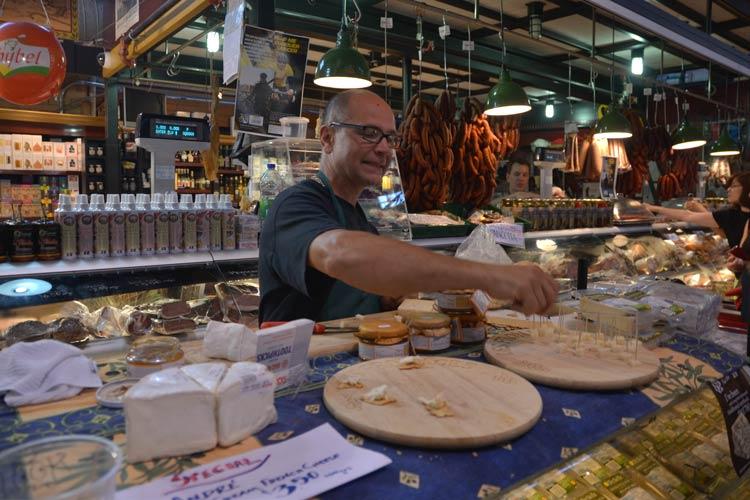 St-Lawrence-Market-toronto2
