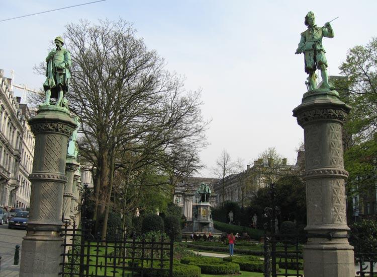 Place-du-Grand-Sablon-5